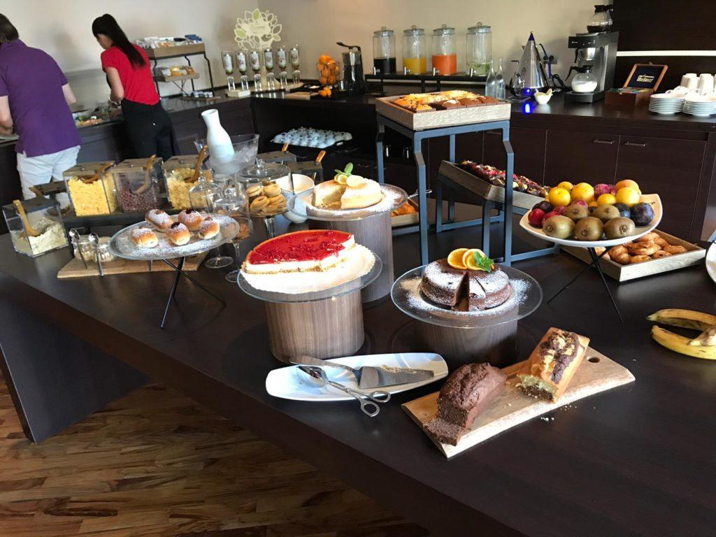 colazione rondò - tavolo delle golosità